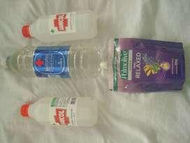 Pack de  2 litros de alcohol etìlico lìquido al 96 por ciento y repuesto de jabonlìquido para manos