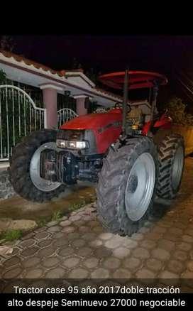 Tractor en buen estado
