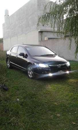Honda Civic Full Full con Gnc. Permuto mayor valor