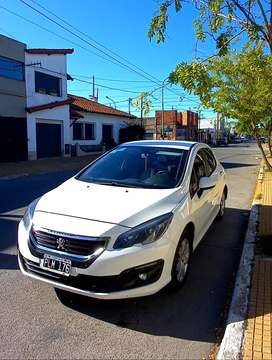 Peugeot 308 active. Unica mano Mod. 2016 impecable.