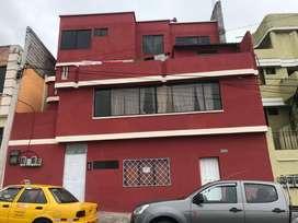SE vende casa rentera en el sur de Quito OPORTUNIDAD 300M2