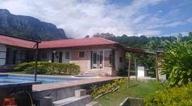 Casa campestre en Sasaima, Vereda Santa Ines. Excelente zona, tranquila, clima agradable, piscina privada climatizada.