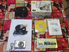 Camara Digital Compacta Nikon Coolpix  L5. Resolucion 7,2 Megapixeles. Mas accesorios y software.