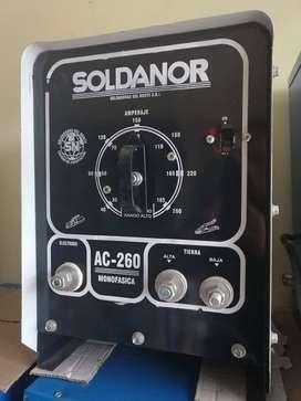 maquina de soldar de 260 amp equipada