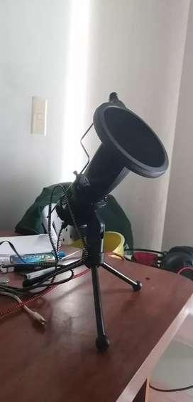 Micrófono semi-profesional para streaming