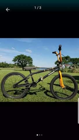 Bicicleta BMX raleigh freestyle
