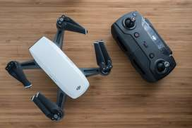 Dji spark con control, base de carga y otros accesorios, baterías dañadas