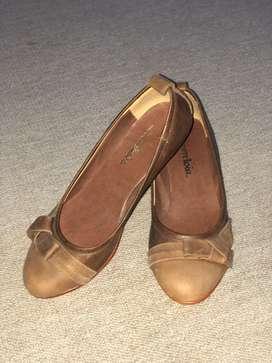 Zapatos de mujer. Chatitas