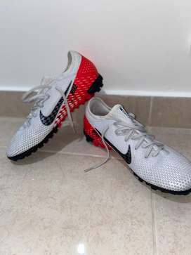 Zapatillas para canchas sinteticas o pasto