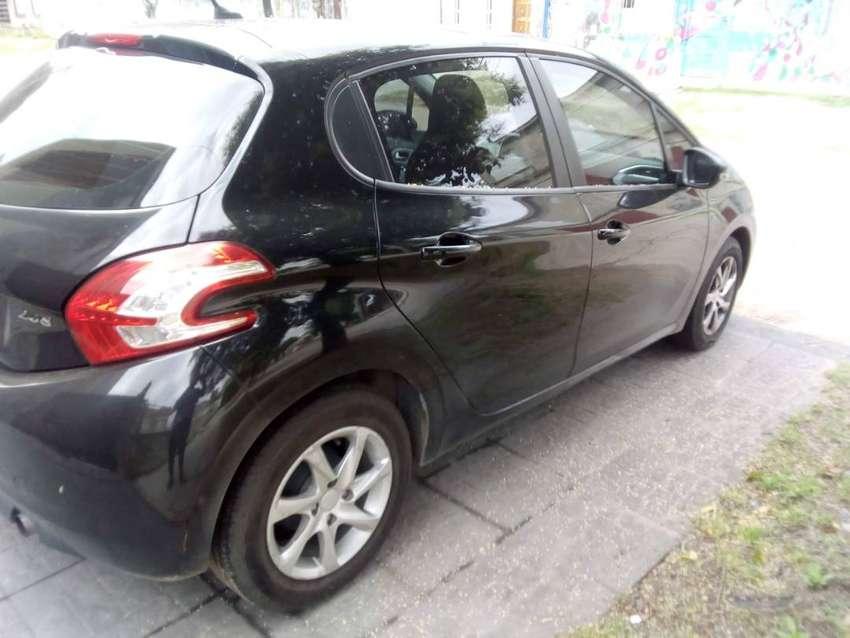 Vendo Peugeot 2013 buen auto 0