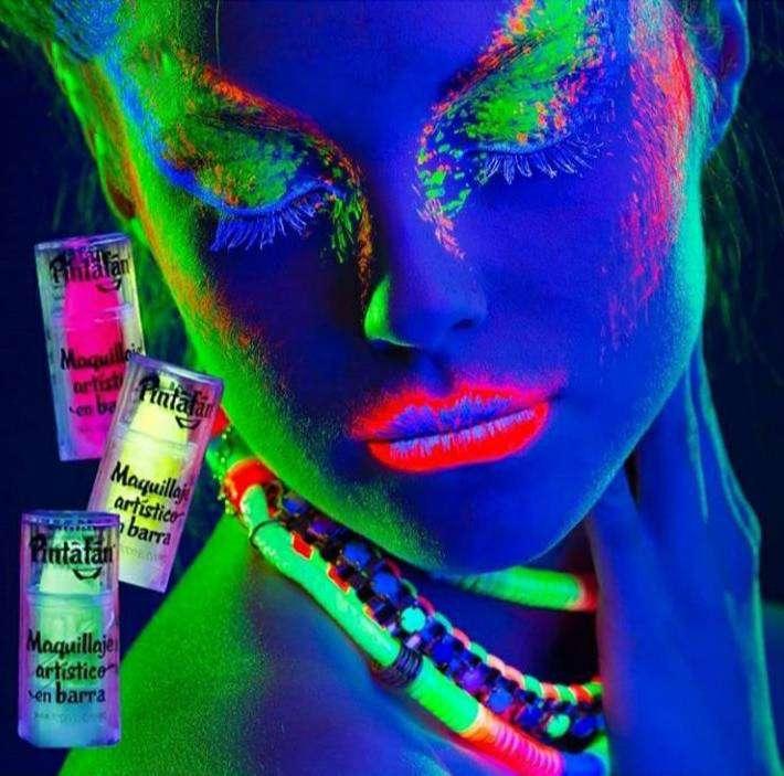 Maquillaje barra Fluo Neón 4 Colores con UV. 0