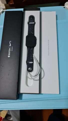 iphone XR y Apple watch serie 3 nike