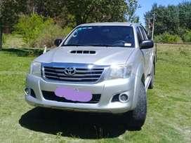 Toyota  Hilux  SR  4x4  3.0