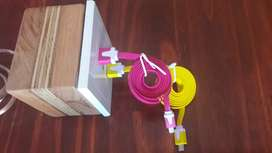Cargador multiple + cables USB