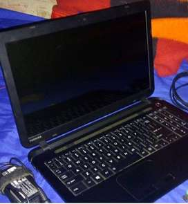 notebook toshiba amd a8 , ram 8gb ,disco750 con detalle!