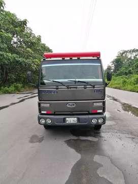 Vendo ford cargo reparado integro