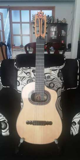GUITARRA REQUINTO