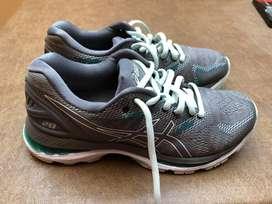 Zapatillas de dama asics numero 37