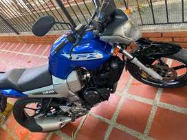 Moto Fz 150