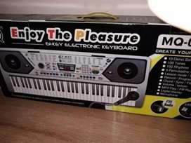 Organo basico 61- key electronic keyboard