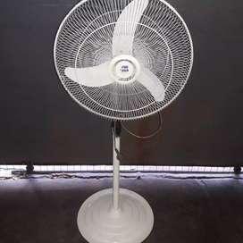 ventilador 60 Watts  casi vuela
