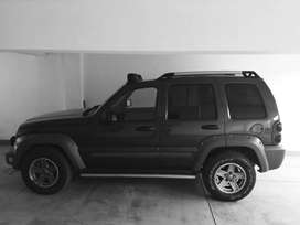 vendo camioneta Jeep Liberty Renegade