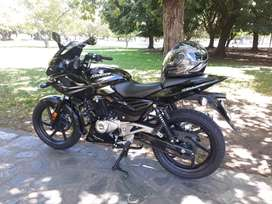 Vendo rouser 220f impecable estado igual a nueva
