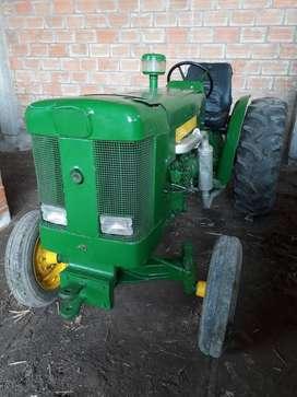 Tractor JOHN DEERE 445 a nuevo