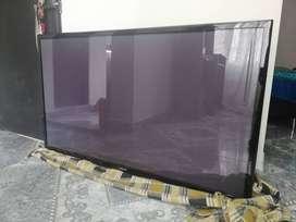 "Vendo televisor Samsung (no es Smart) de 51""."