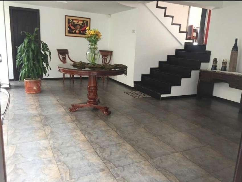 Penthouse departamento de venta sector el Batán La Granados Av Eloy Alfaro 0