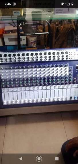 Consola activa de 16 canales para concierto