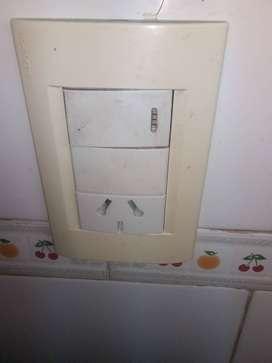 ELECTRICISTA. REPARACIONES . TÉCNICO .