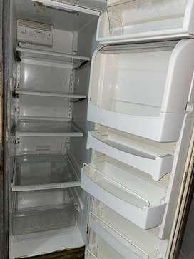 Nevera marca Amara-Dual congelador