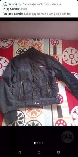 Hermoso lotecito , chaqueta negra , sociedad secreta