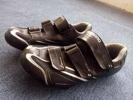 Se vende zapatillas de ciclismo