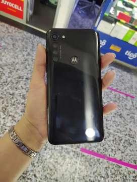 Moto G8 power usado