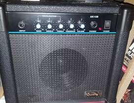 Amplificador de bajo eléctrico 15 w