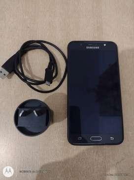 Samsung j7 2016 impecable con funda y cargador