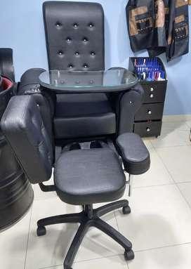 Silla de peluquería  pedicure y manicure más mesa auxiliar