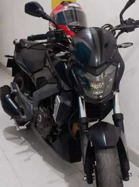 MOTO DOMINAR 400