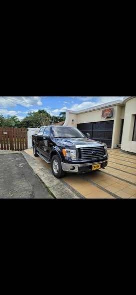 Se vende Ford 150 negra excelente estado