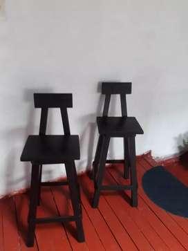 vendo 2 sillas en madera