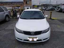 Se vende Kia cerato 2011. Color blanco- automatico. NEGOCIABLE.
