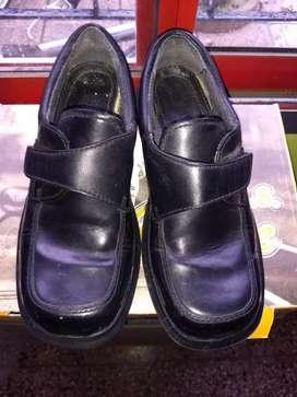Zapatos escolar Nro 33