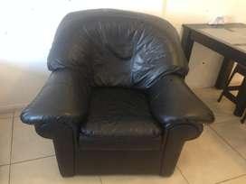 Líquido o permuto sillón de cuero cómo nuevo
