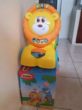Carro caminador león 3en1