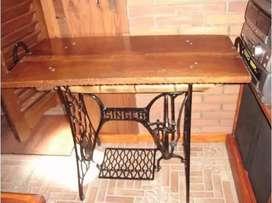 Mesa artesanal de algarrobo