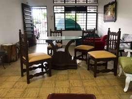Venta de juego de comedor con mesa de crista (mesa y sillas)