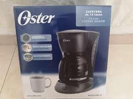 Oster Cafetera Negra De 12 Tazas