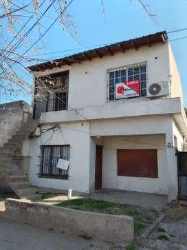 Casa en planta alta Luis Guillon